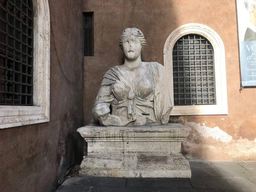 Pasquino e i suoi fratelli, Pasquino e i suoi fratelli, Rome Guides