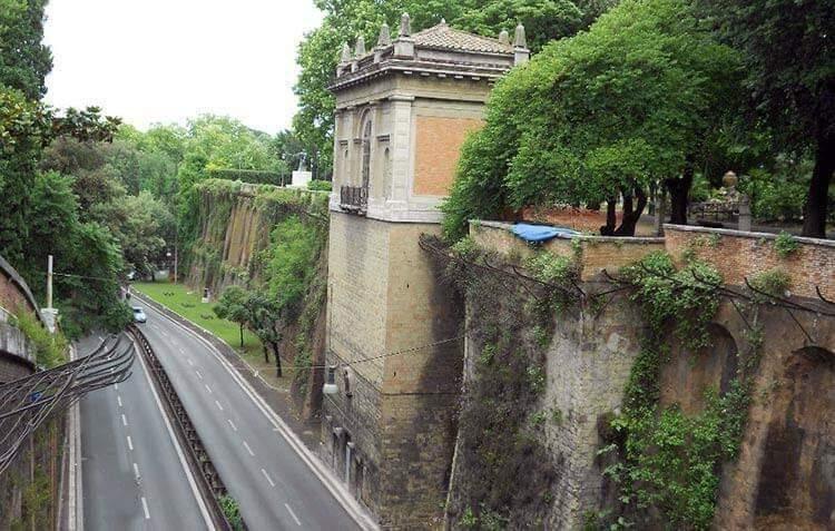 Il Muro Torto, Il Muro Torto, Rome Guides
