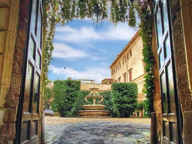 Gli Orsini e la strage degli sbirri, Gli Orsini e la strage degli sbirri, Rome Guides