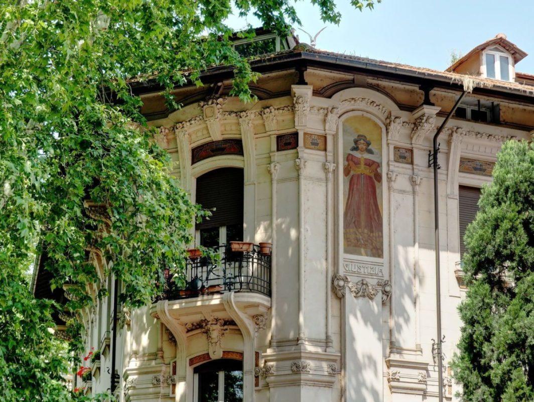 Roma Liberty, Roma Liberty, Rome Guides